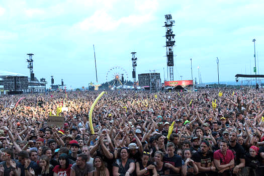 Wer 2018 bei Rock am Ring (Bild, 2017) oder Rock im Park dabei sein will, der sollte sich schnell ein Ticket sichern.