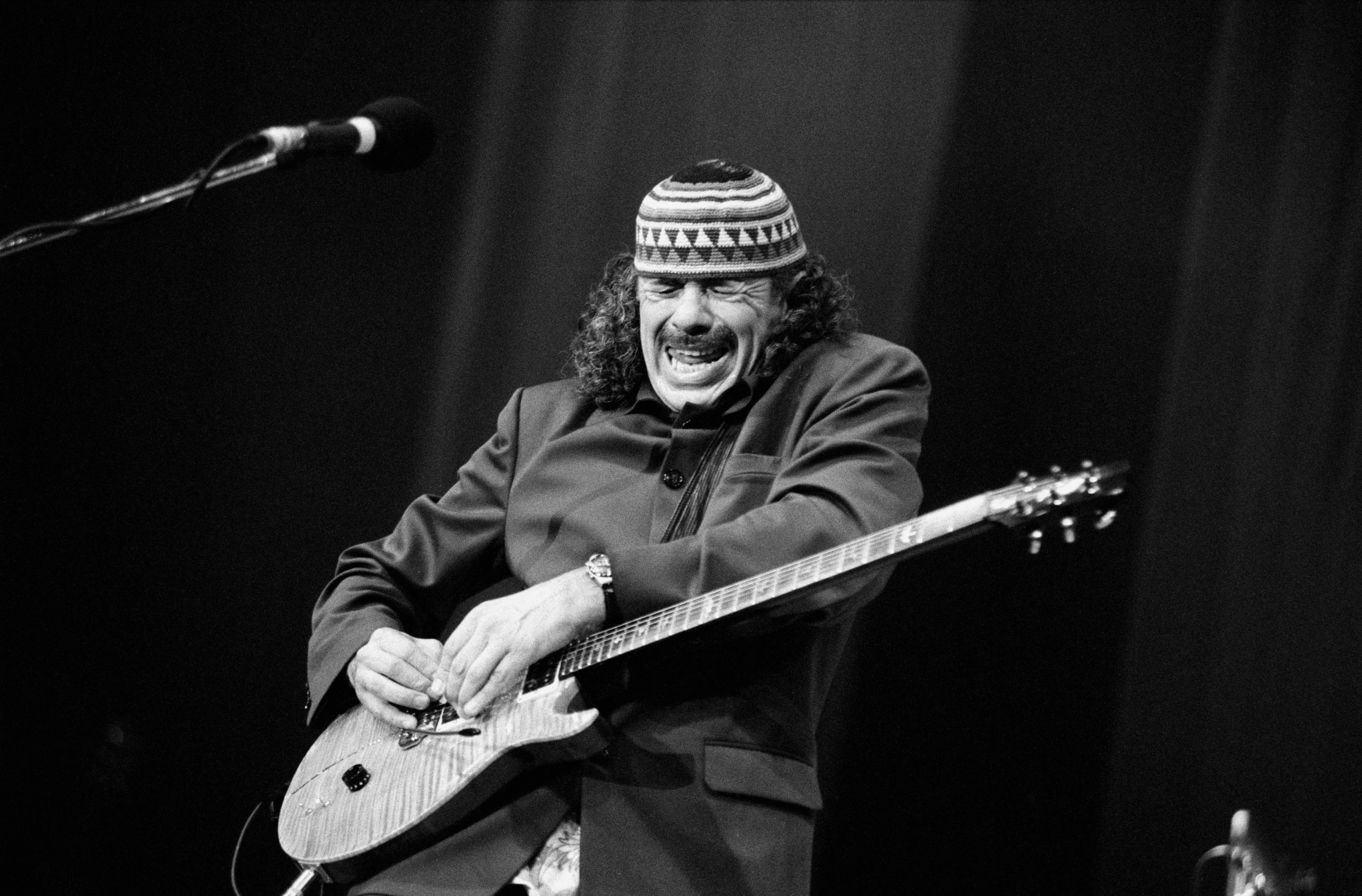 Schlangenbeschwörer Carlos Santana