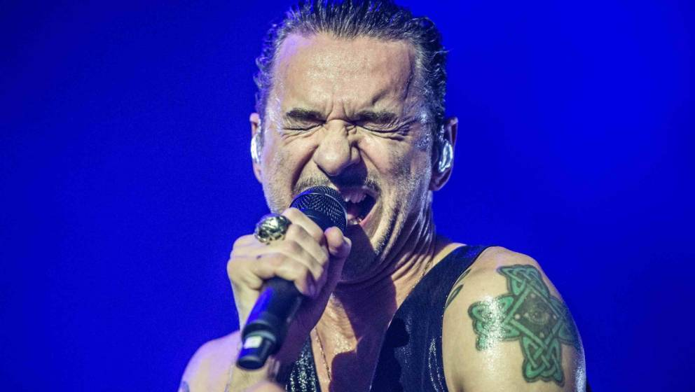 LONDON, ENGLAND - NOVEMBER 22: Dave Gahan of Depeche Mode performs at The O2 Arena on November 22, 2017 in London, England. (