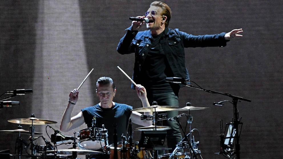 U2 fahren U2 - Irische Rocker spielen im Berliner Untergrund