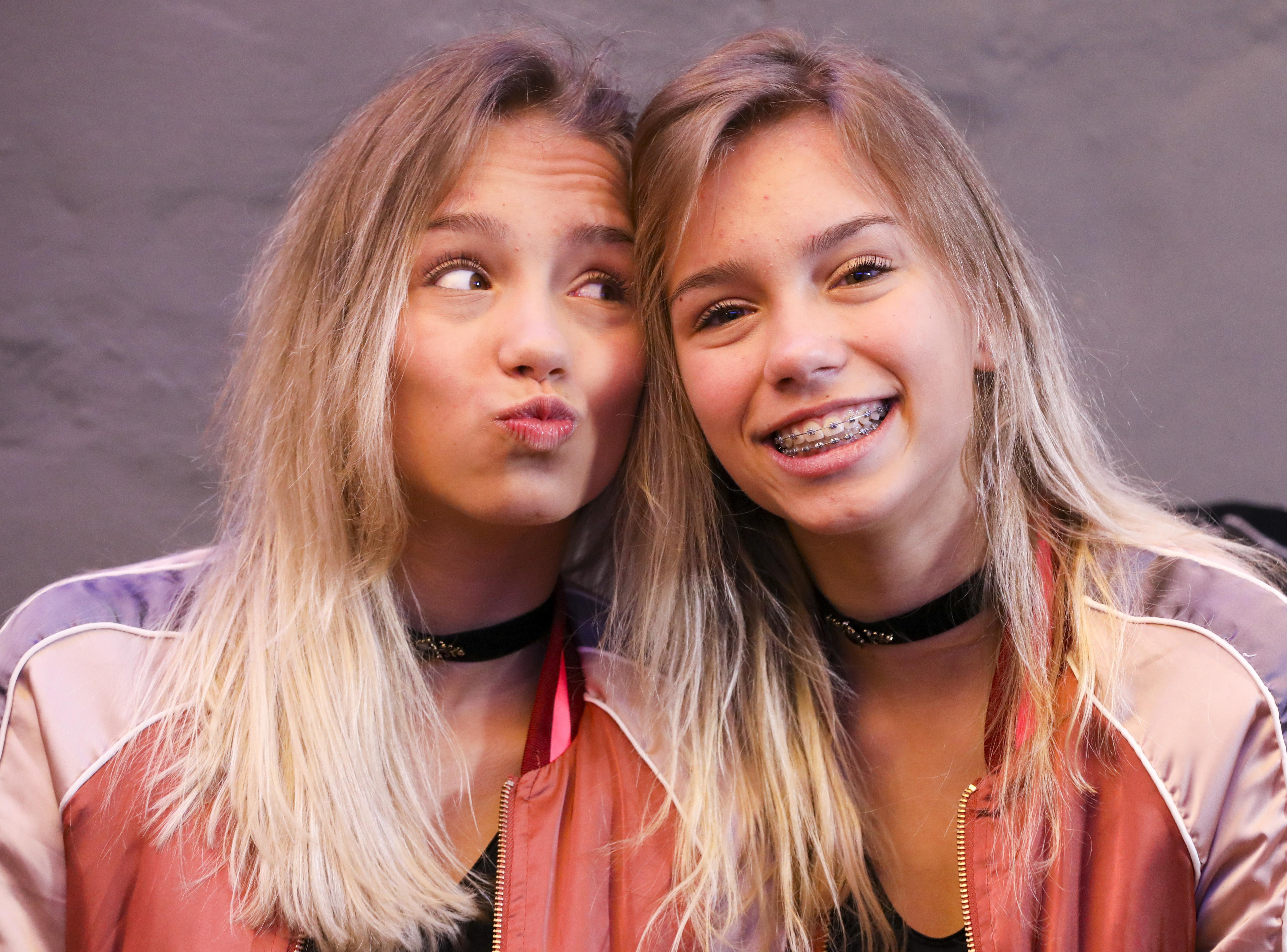 Die Musical.ly und Social-Media-Stars Lisa und Lena