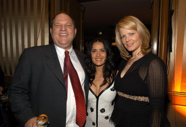 Harvey Weinstein, Salma Hayek (m.), und die Frau des Produzenten im Jahr 2003.