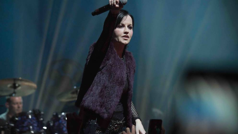 PARIS, FRANCE - MAY 04:  Dolores O'Riordan of The Cranberries performs at L'Olympia on May 4, 2017 in Paris, France.  (Photo