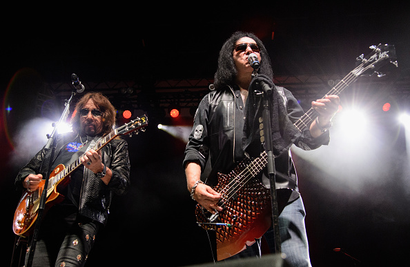 ST PAUL, MN - SEPTEMBER 20: Ace Frehley preforms with Gene Simmons at The Children Matter Benefit Concert Featuring Gene Simm