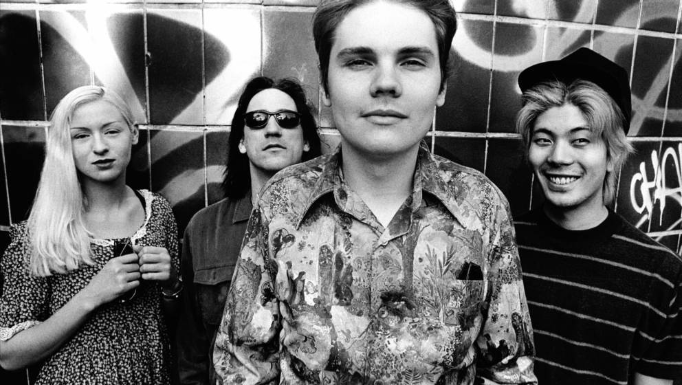NETHERLANDS - JULY 01:  Photo of Smashing Pumpkins; Smashing Pumpkins photographed in London. July, 1993  (Photo by Paul Berg