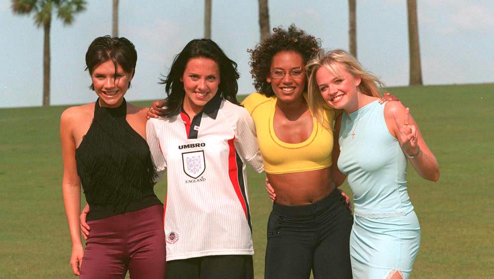 MIAMI, UNITED STATES - 1996: The Spice Girls L to R Victoria Adams, Melanie Chisholm, Melanie Brown and Emma Bunton pose in M