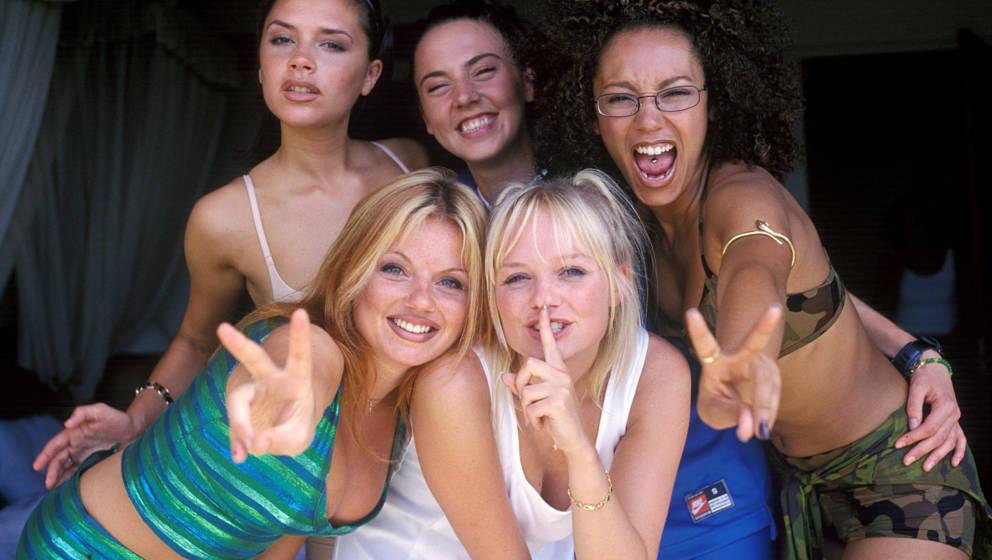 Victoria Beckham, Geri Halliwell, Melanie Brown, Emma Bunton, and Melanie Chisholm of the Spice Girls (Photo by John Stanton/