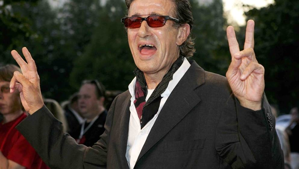 Director Wim Wenders arrives at the premiere of 'Don't Come Knocking' at the Cinema International August 22, 2005 in Berlin,