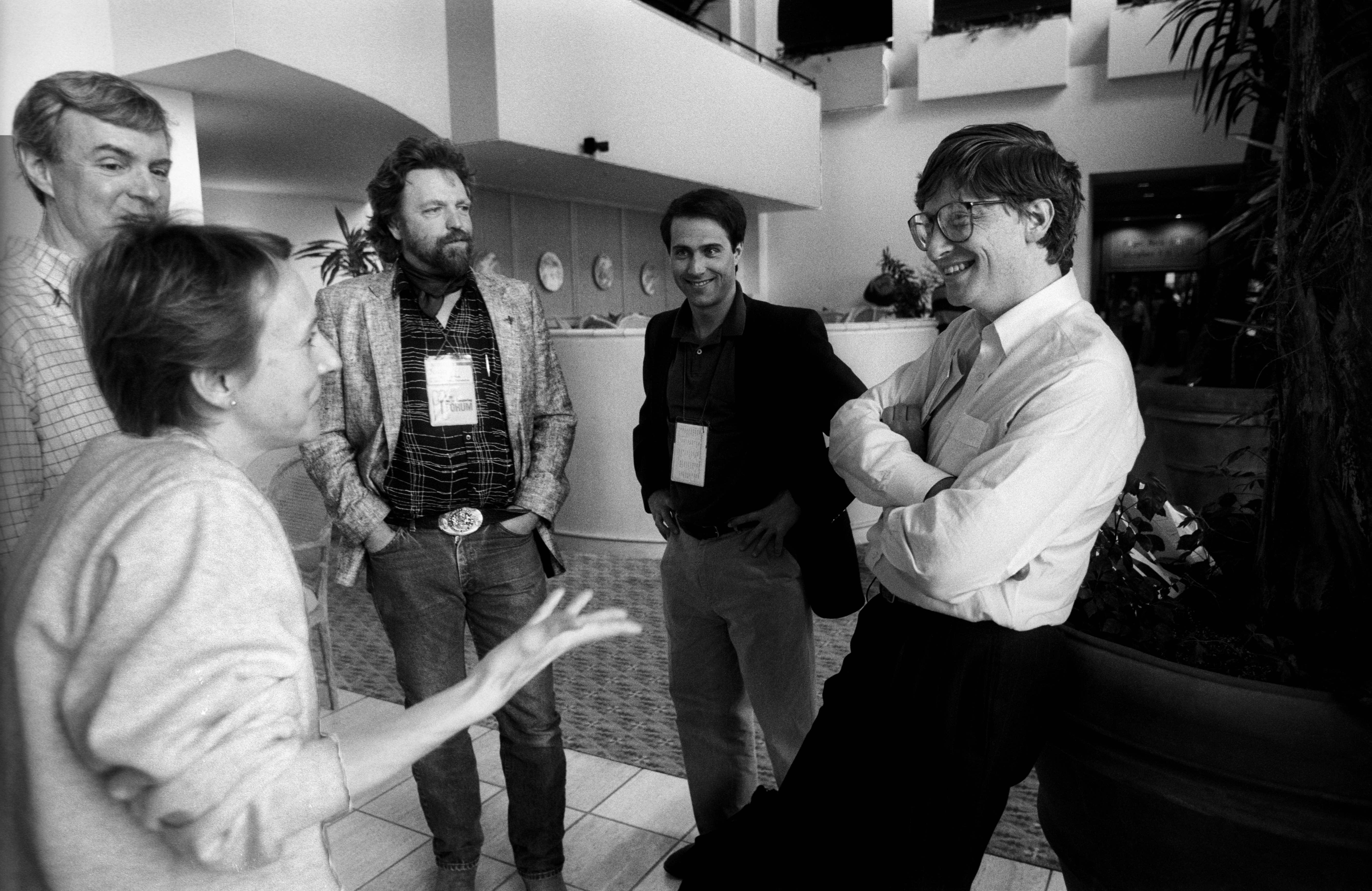 Esther Dyson, John Perry Barlow, David Readerman, Shearson Leahman, Bill Gates 1991 bei einer Computer-Konferenz