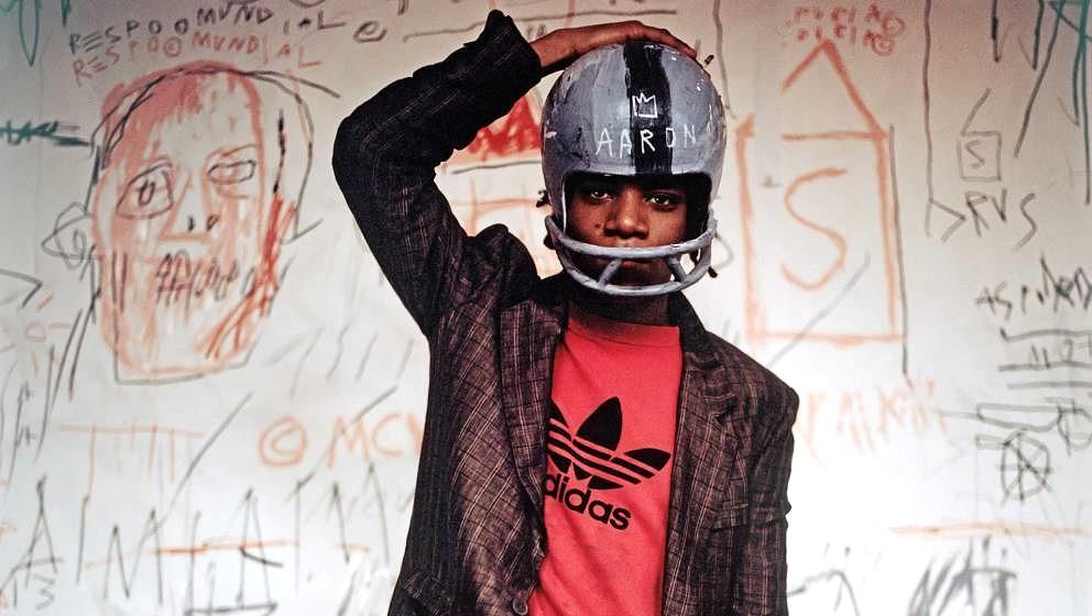 Helm statt Krone: Jean-Michel Basquiat 1981, kurz bevor er zum Superstar der Kunst avancierte