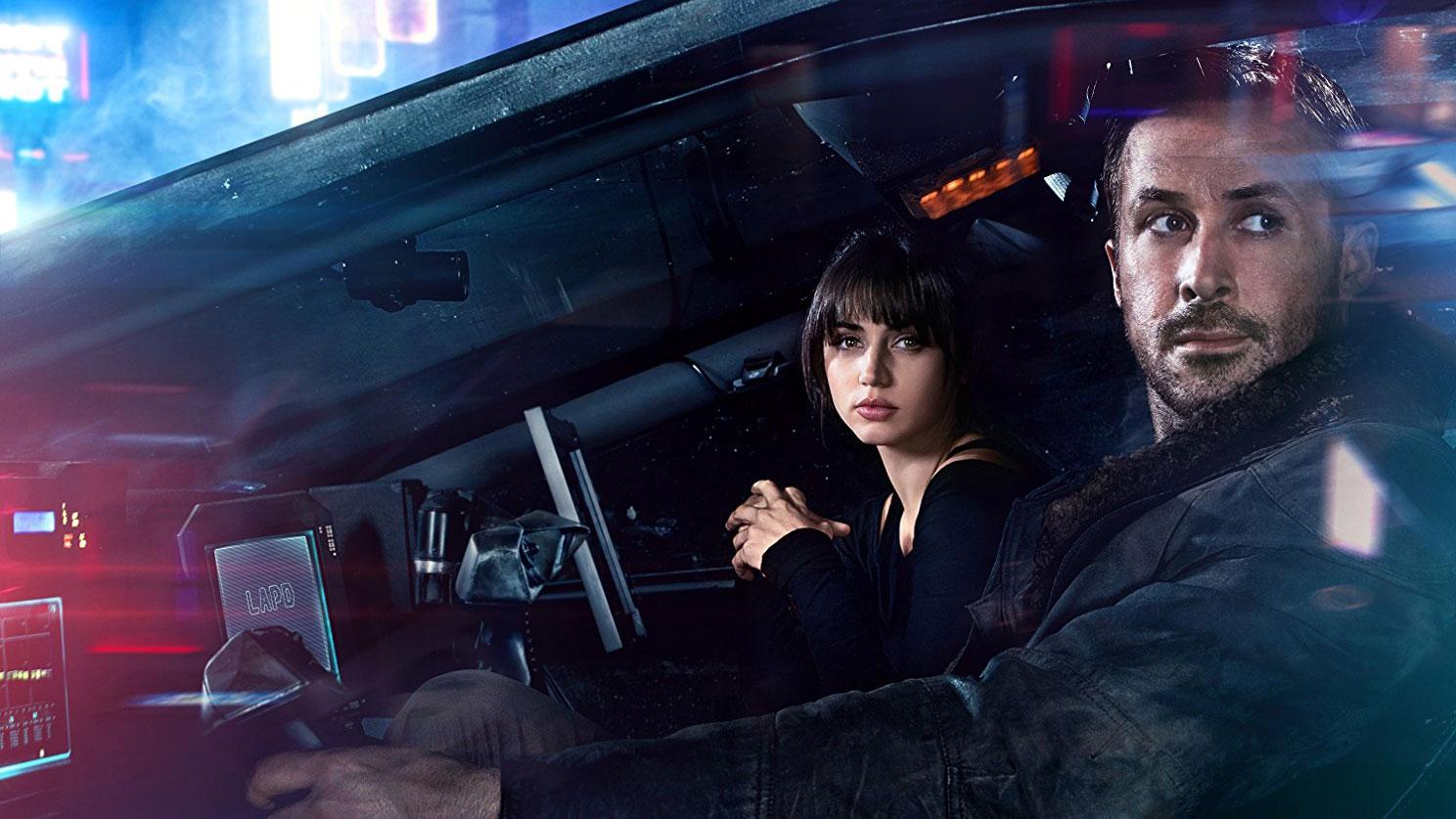 "Ryan Gosling und Ana de Armas in ""Blade Runner 2049"""