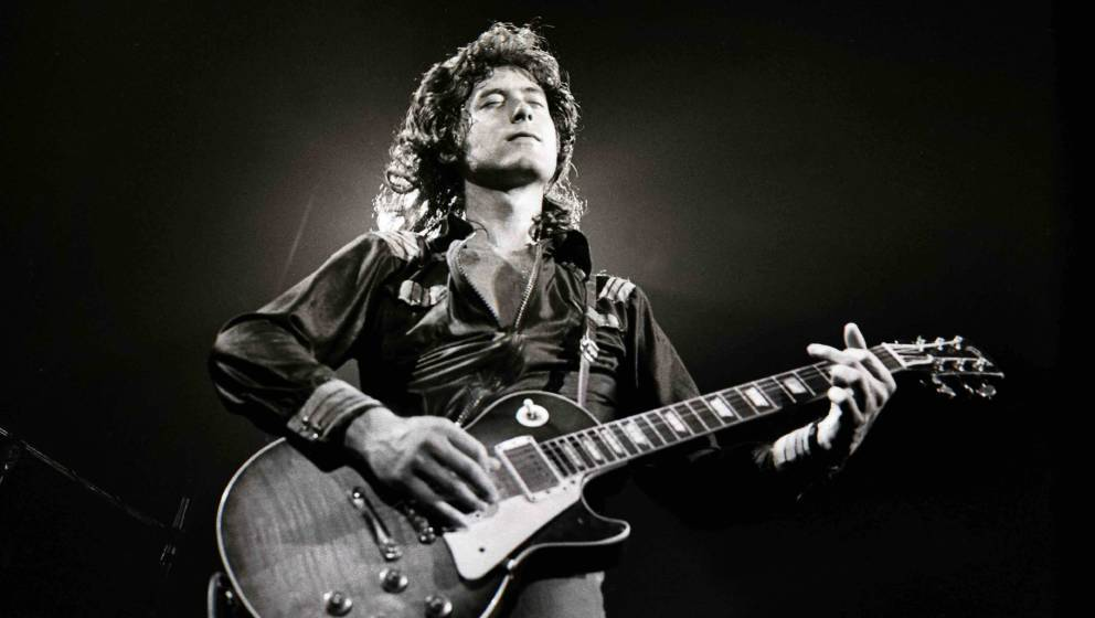 UNITED STATES - JUNE 01:  Photo of LED ZEPPELIN; Jimmy Page performing live onstage, playing Gibson Les Paul guitar  (Photo b