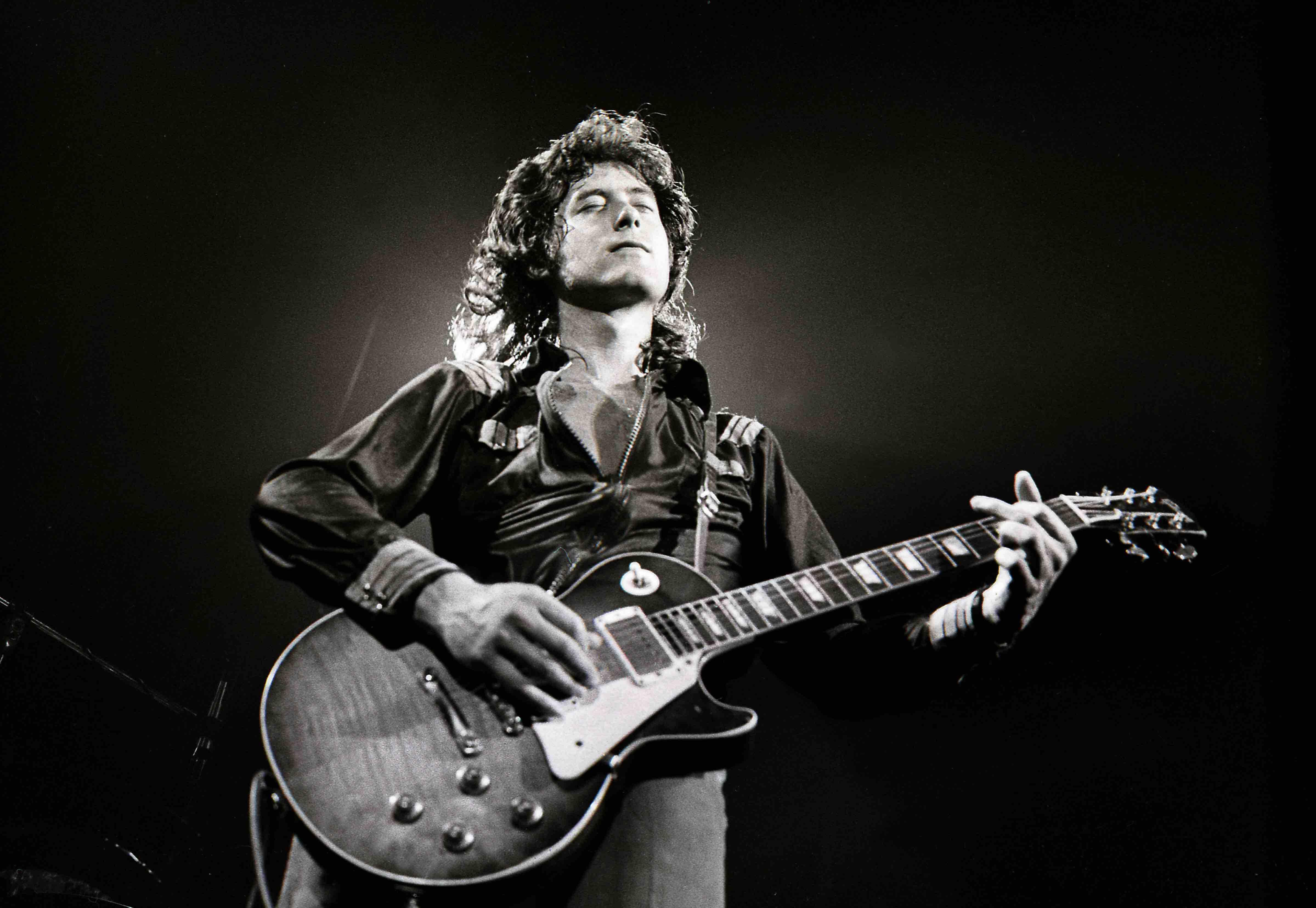 Jimmy Page Led Zeppelin 001 Framed Canvas Print