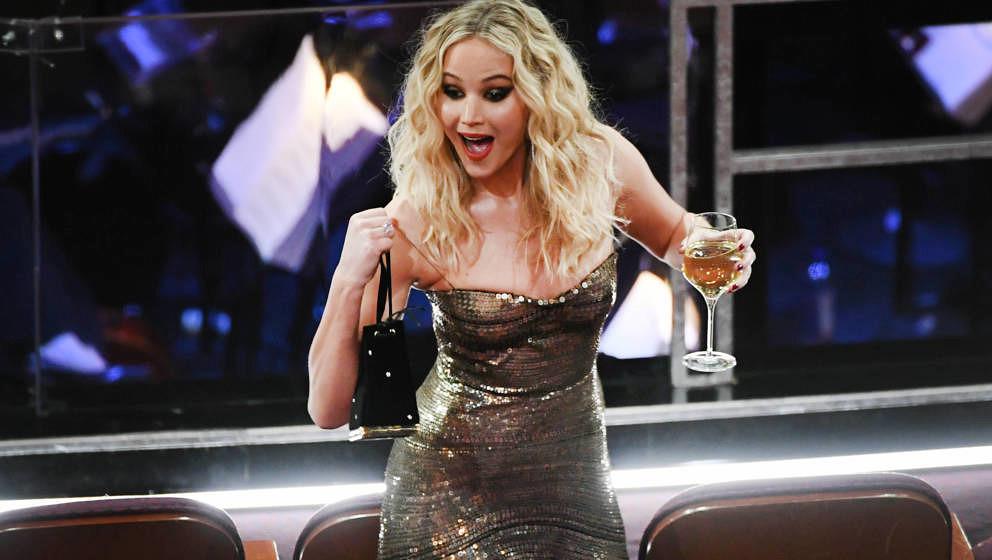 Jennifer Lawrence genießt die Oscar-Verleihung sichtlich!