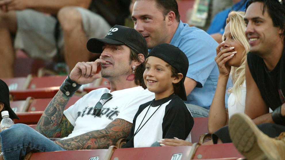 Pamela Anderson,Tommy Lee and 2 children Brandon Thomas and Dylan Jagger watch the X Games - Moto X Freestyle competition at