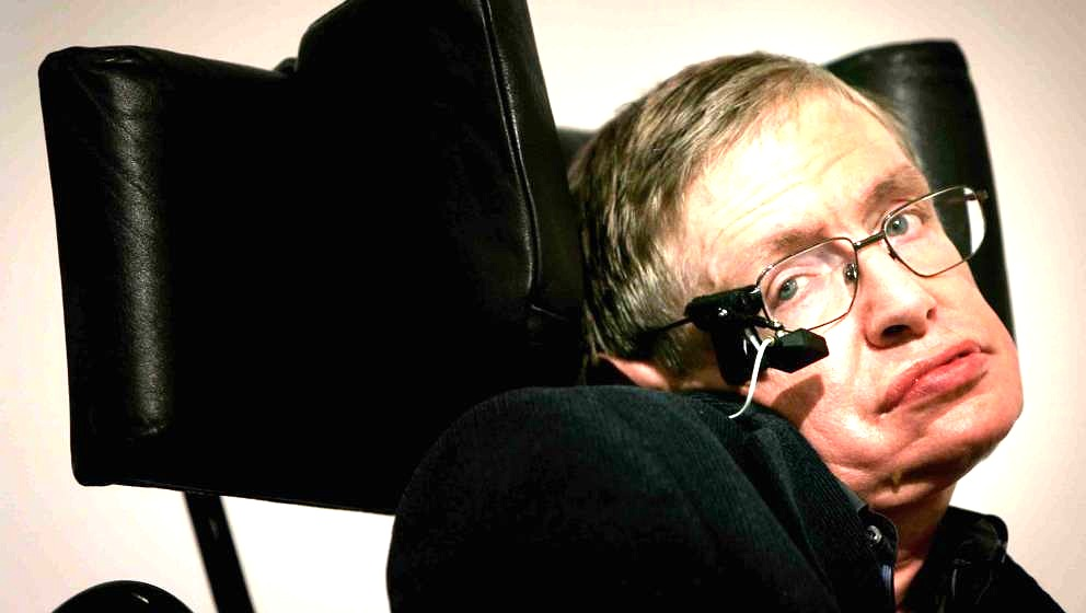 LONDON - JANUARY 17:  Professor Stephen Hawking delivers his speech at the release of the 'Bulletin of the Atomic Scientists'