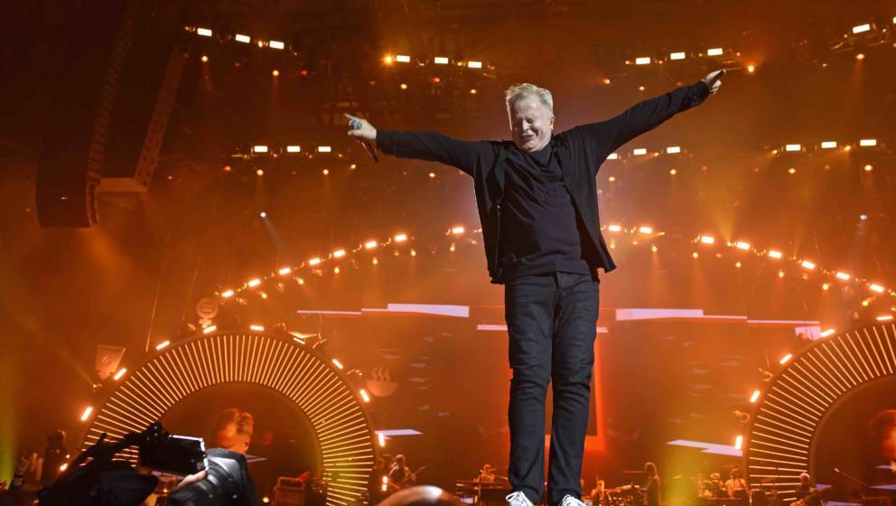 HAMBURG, GERMANY - JULY 06:  Herbert Groenemeyer performs during the Global Citizen Festival at the Barclaycard Arena  on Jul