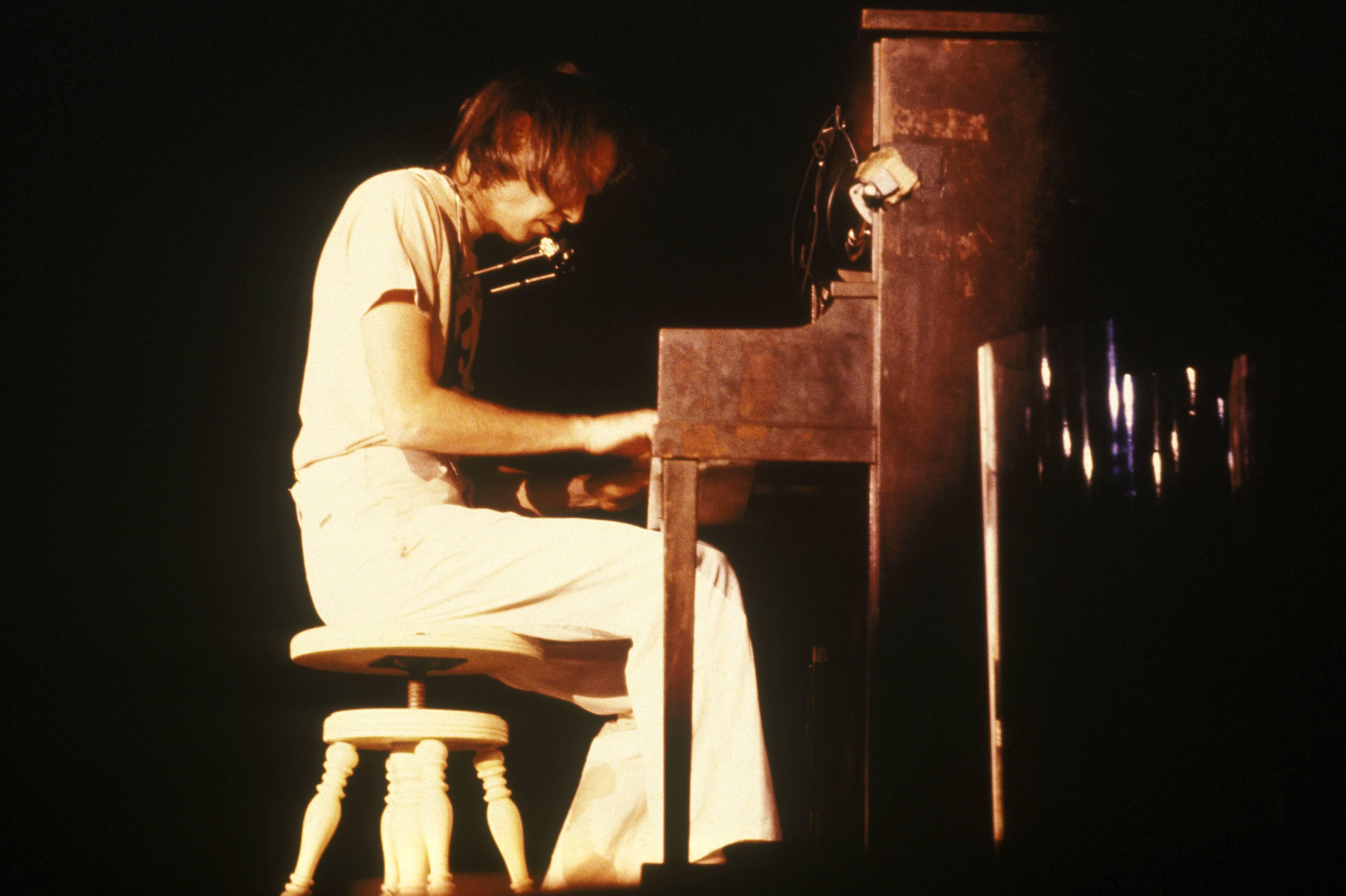 Neil Young am Klavier