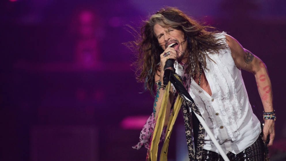 MEXICO CITY, MEXICO - OCTOBER 27:  Singer Steven Tyler of Aerosmith performs onstage at Arena Ciudad de Mexico on October 27,