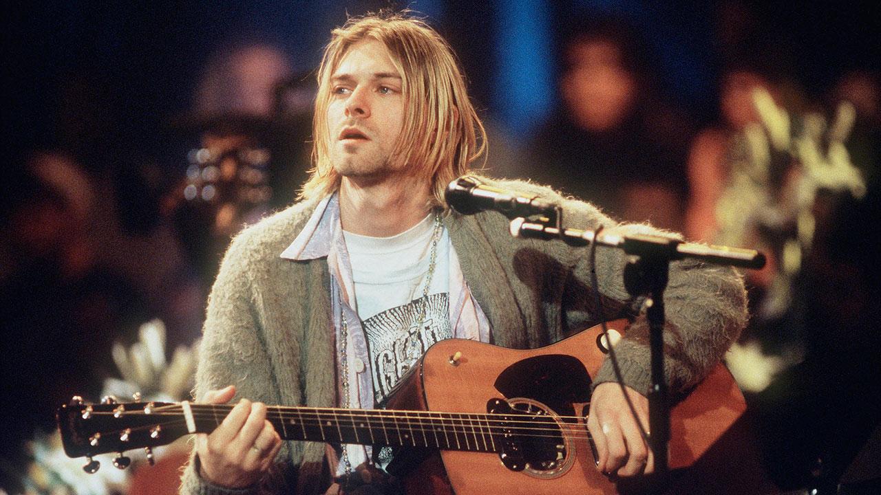 """Kurt Cobain beim legendären """"MTV Unplugged""""-Auftritt von Nirvana"""