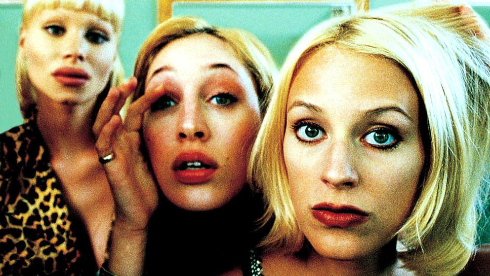"""Mit """"Models"""" warf Ulrich Seidl schon 1998 - noch vor dem Model-Casting-Boom - einen bitterkomischen Blick in eine Branche der Eitelkeiten und gnadenlosen Selbstausbeutung."""