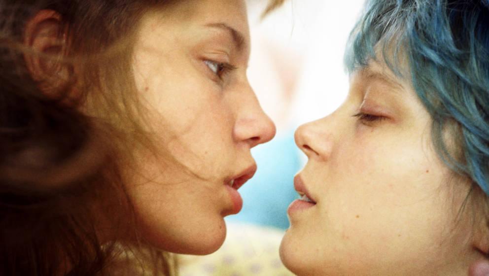 """Adele Exarchopoulos als Adele (l) und Lea Seydoux als Emma in """"Blau ist eine warme Farbe"""""""
