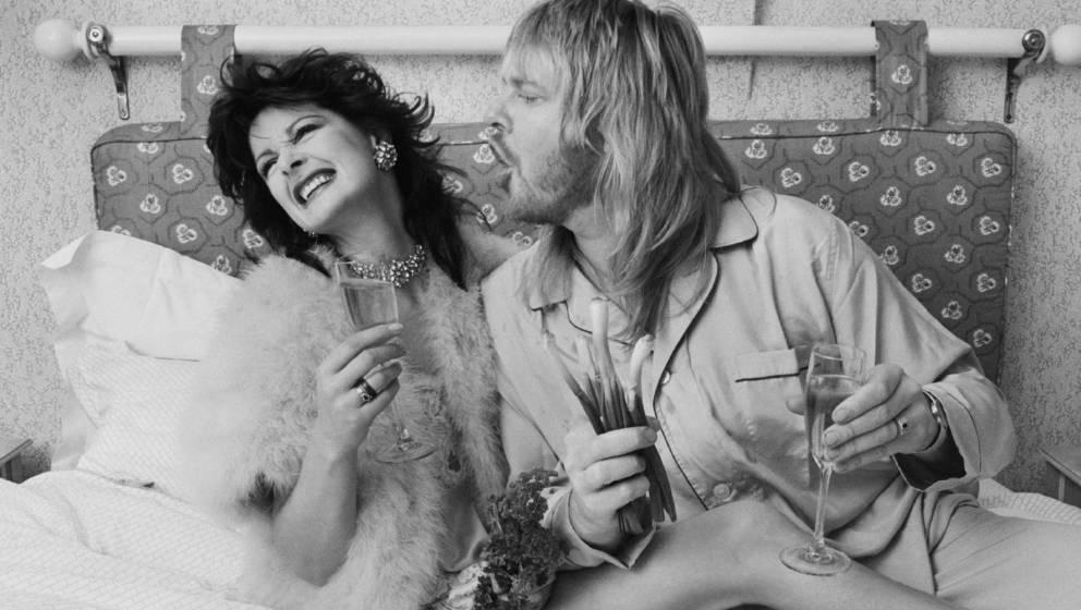 Rick Wakeman steht auf deftige Speisen - zum Leidwesen von Yes und seiner Frau Nina (links)