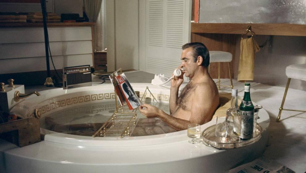 Sean Connery nimmt sich eine Auszeit von James Bond im Bad
