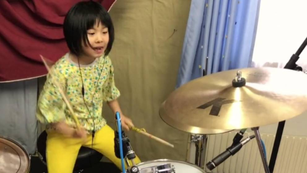 Led Zeppelin ist ihr Favorit: Yoyoka Soma an ihrem Arbeitsgerät