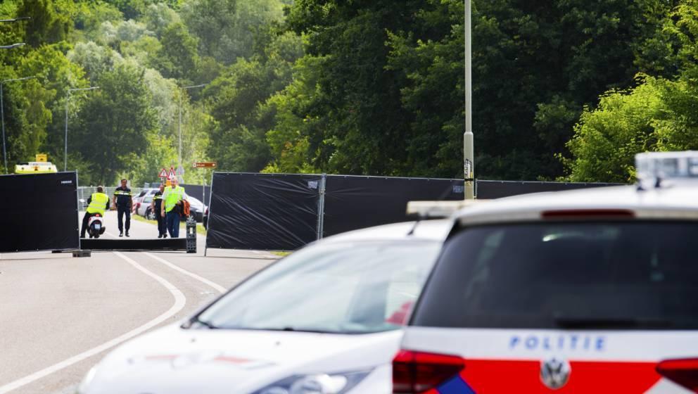 Die Polizei ermittelt, ob es sich bei dem Vorfall um einen Unfall oder eine Amok-Tat handelte