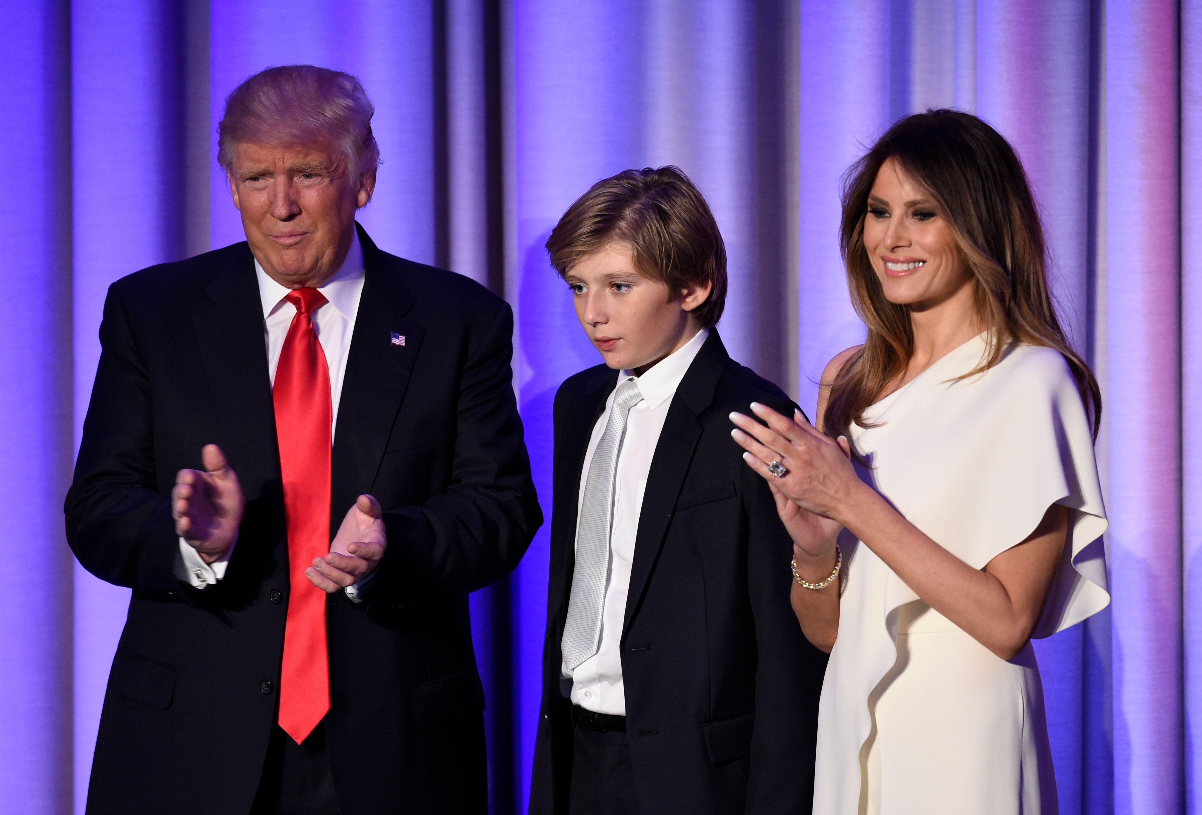 Donald Trump mit seinem Sohn Baron und seiner Frau Melania