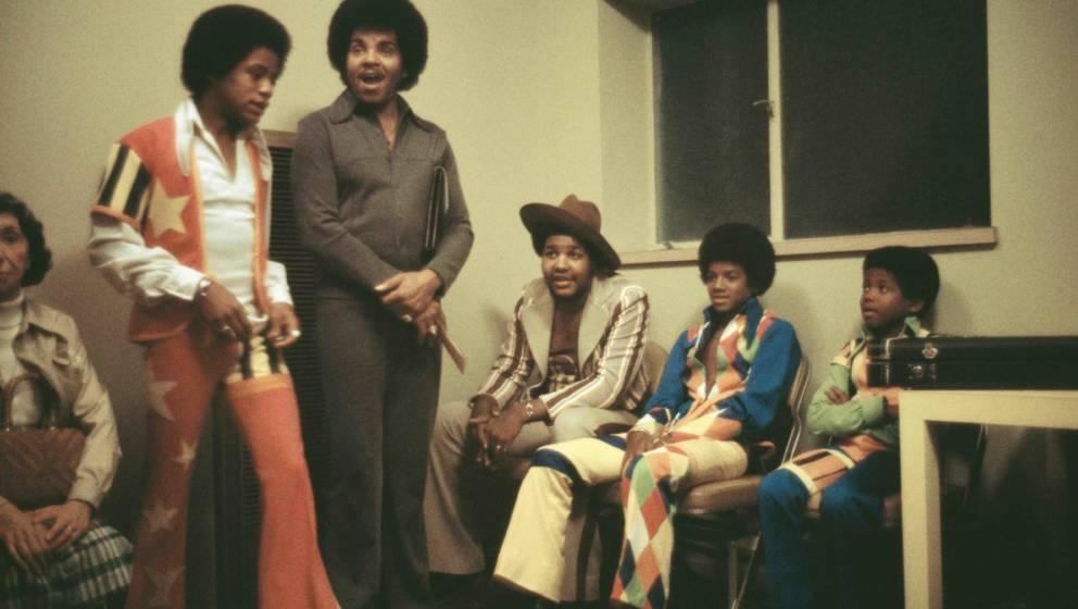 Joe Jackson im Kreise seiner von ihm angetriebenen Musiker