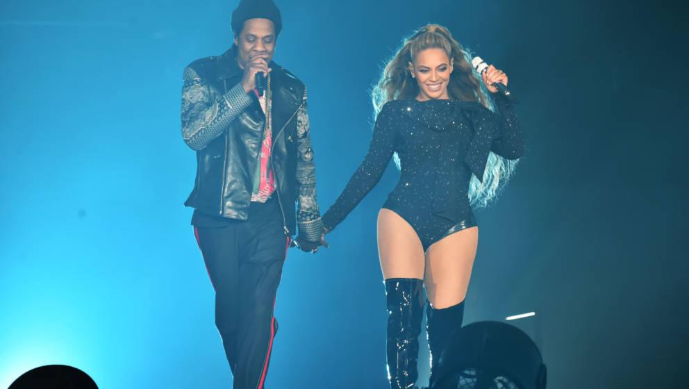 Beyoncé und Jay-Z Hand in Hand und live