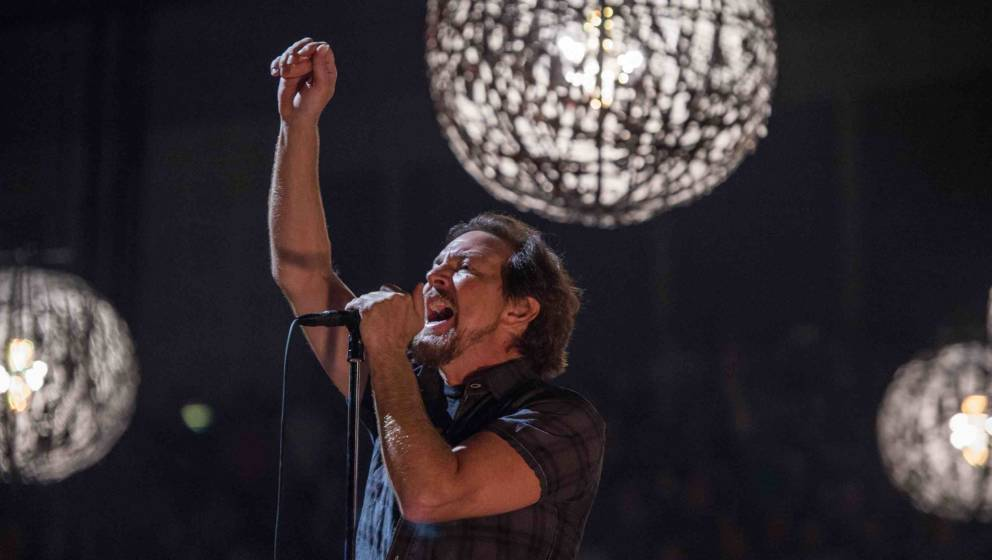 LONDON, ENGLAND - JUNE 18: Eddie Vedder of Pearl Jam performs at The O2 Arena on June 18, 2018 in London, England. (Photo by