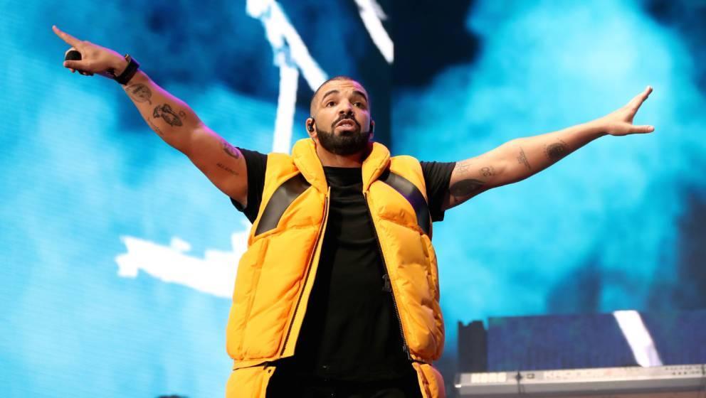 INDIO, CA - APRIL 15:  Drake performs on the Coachella stage during day 2 of the Coachella Valley Music And Arts Festival (We
