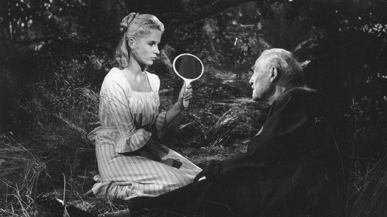 """Szene aus """"Wilde Erdbeeren"""": Isak Borg bekommt den Spiegel vorgehalten"""