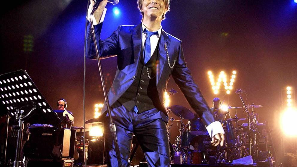 UNITED KINGDOM - OCTOBER 03:  Pop Legend David Bowie In Concert, At The Hammersmith Appollo, In London, Pic Shows: David Bowi