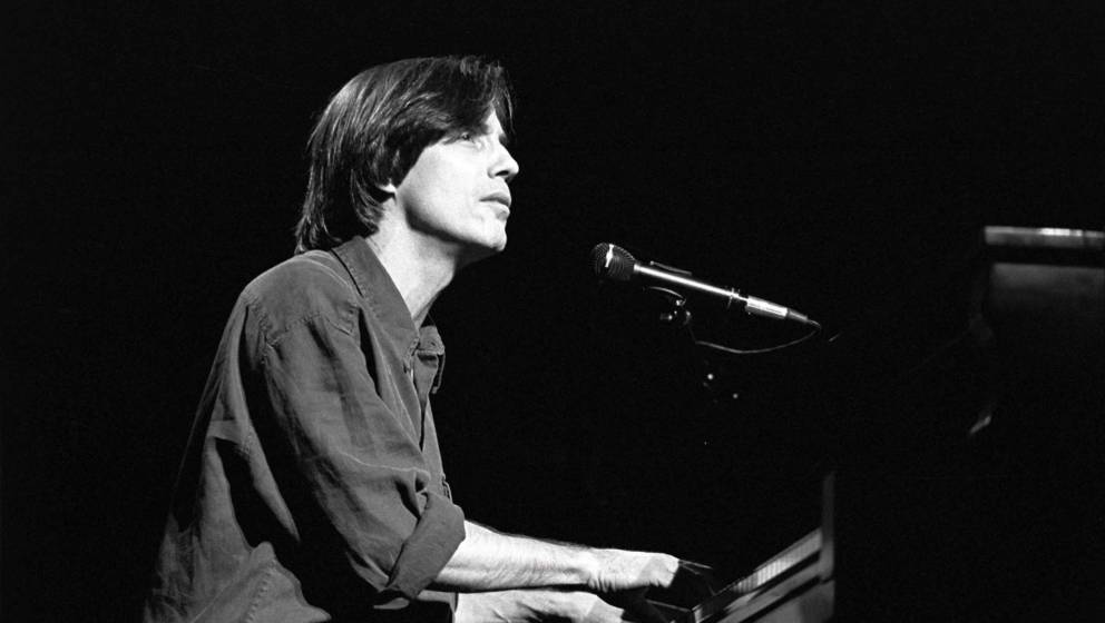 Jackson Browne performing at a 'Ban The Dam' concert at the Beacon Theater in New York City on October 12, 1991. (Photo by Eb