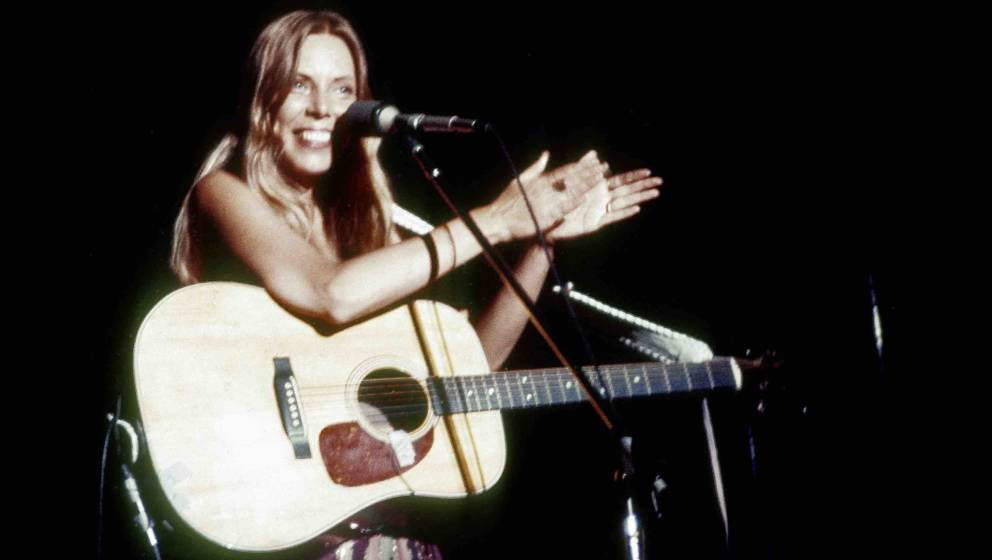 BERKELEY, CA -  MARCH 1:  Joni Mitchell performs at the Community Center in Berkeley, California on March 1, 1974. (Photo by