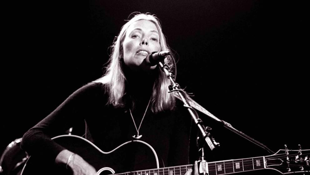 SACRAMENTO, CA -  NOVEMBER 20:  Joni Mitchell performing at 'California Celebrates the Whales' at the Memorial Auditorium in