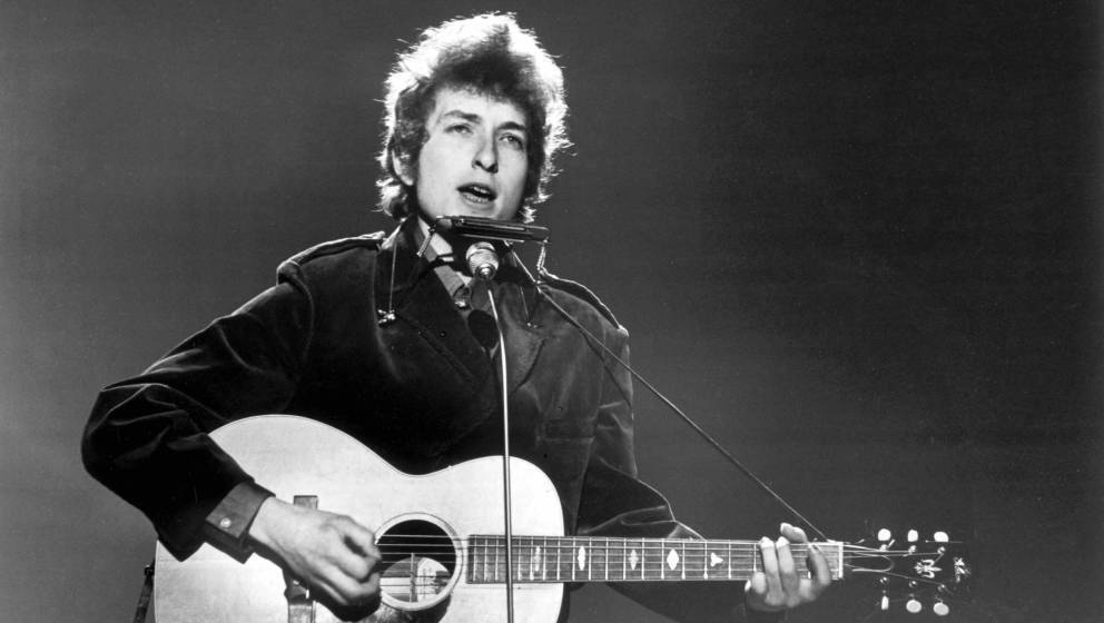 UNITED KINGDOM - JUNE 01:  BBC TV CENTRE  Photo of Bob DYLAN, performing on TV show  (Photo by Val Wilmer/Redferns)