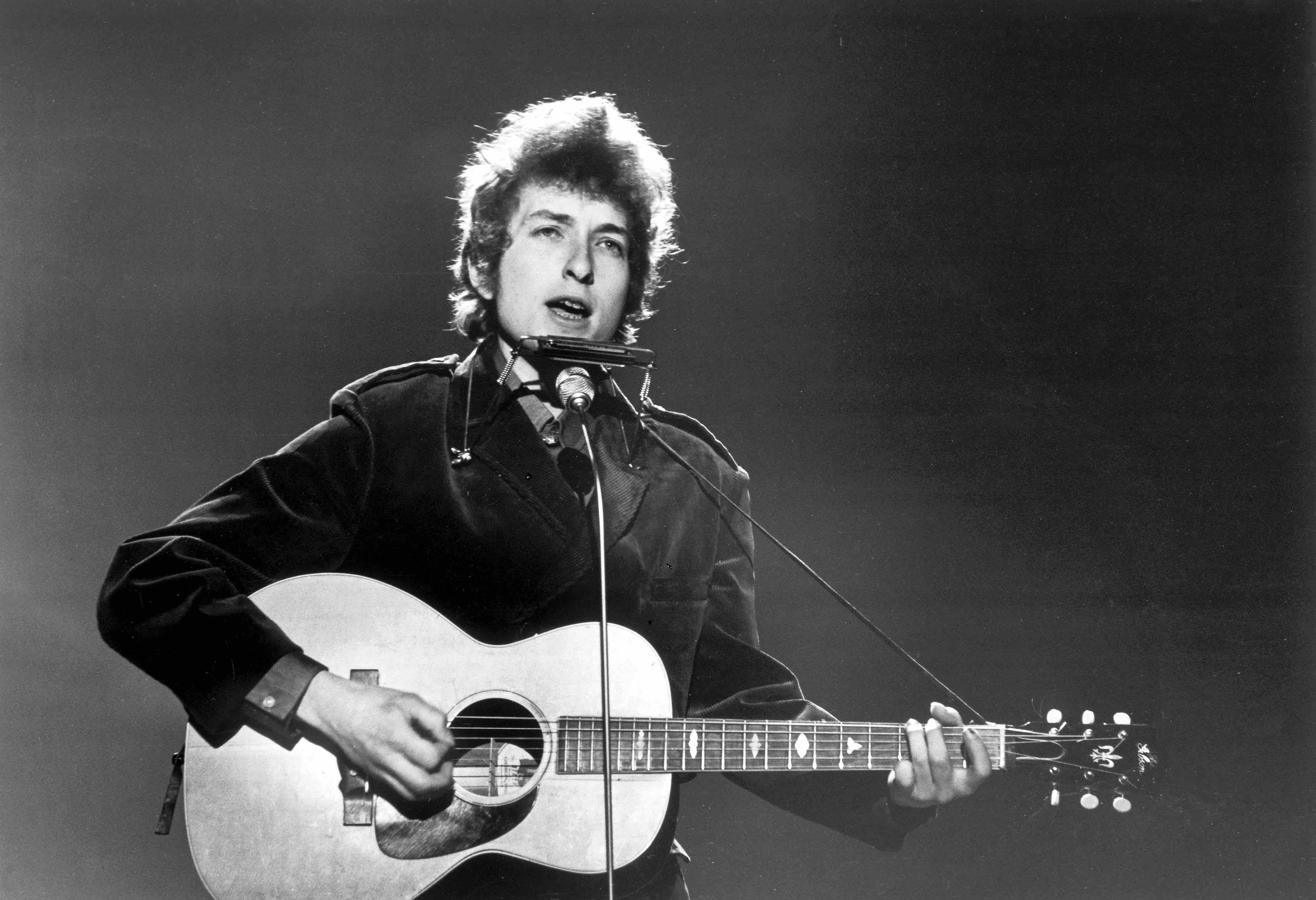 Elton John: auf Kokain ein Konzert der Rolling Stones an sich gerissen und Dylan für einen Gärtner...