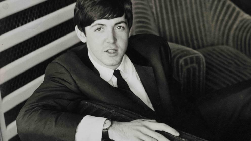 UNITED KINGDOM - JANUARY 01:  Photo of Paul McCARTNEY and BEATLES; Paul McCartney, posed  (Photo by Fiona Adams/Redferns)