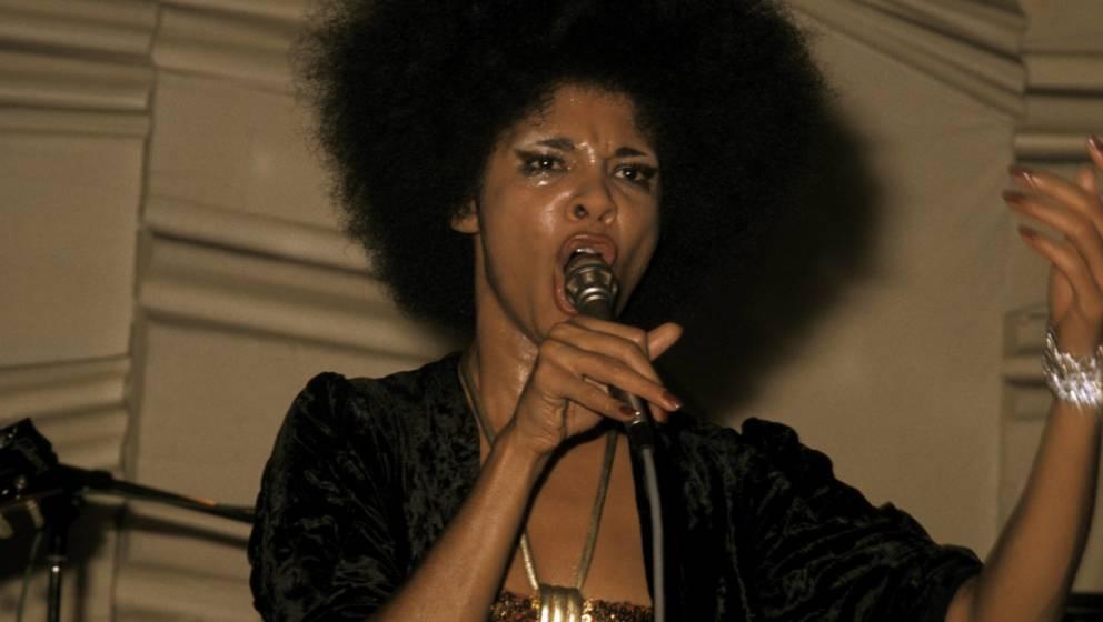 UNITED KINGDOM - JANUARY 01:  Photo of Betty DAVIS  (Photo by Andrew Putler/Redferns)