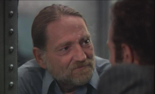 """Szene aus """"Thief"""" (Der Einzelgänger) von Michael Mann: Willie Nelson als Okla"""