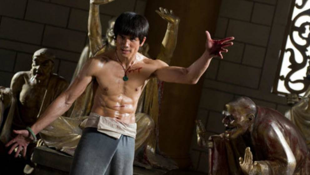 "Mike Moh bald als Bruce Lee (hier in ""Street Fighter: Assassin's Fist"")"