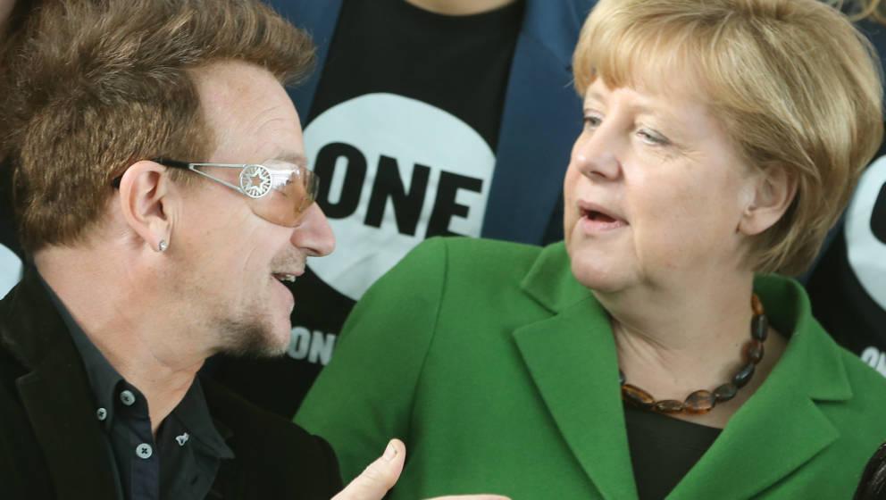 Bundeskanzlerin Angela Merkel (CDU) empfängt Bono im Kanzleramt (Archivbild von 2013)