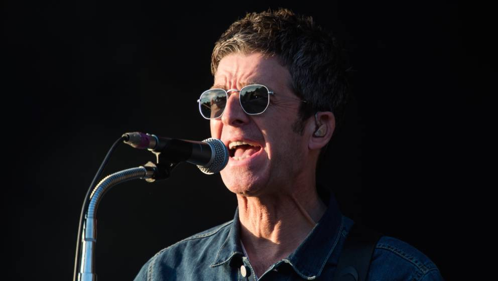 SHEFFIELD, ENGLAND - JULY 21:  Noel Gallagher performs on stage during Day 2 of Tramlines Festival 2018 at Hillsborough Park