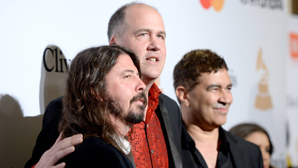 BEVERLY HILLS, CA - FEBRUARY 14:  (L-R) Recording artists Dave Grohl, Krist Novoselic, and Pat Smear attend the 2016 Pre-GRAM