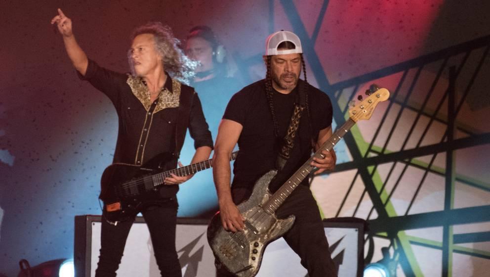 SAN FRANCISCO, CA - NOVEMBER 09:  Robert Trujillo and Kirk Hammett of Metallica perform during the Band Together Bay Area Ben
